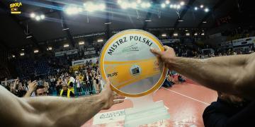 Karol Kłos nagrywa ceremonię dekoracji MP kamerą GoPro