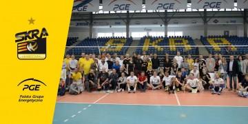 Siatkarze PGE Skry zagrali ze sponsorami i kibicami!